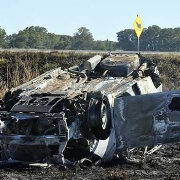 Una familia de Mendoza resultó herida tras volcar su auto e incendiarse en la ruta 226