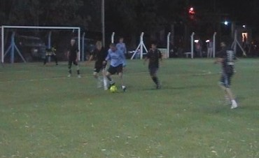 Torneo nocturno de fútbol independiente
