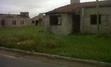 Barrio UOCRA: adjudicatarios solicitan la entrega de viviendas