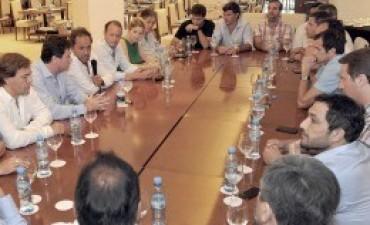 """Scioli instó a los intendentes a estar """"organizados y movilizados"""""""