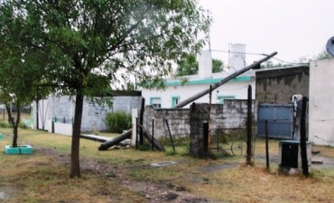 Persisten aun los inconvenientes  eléctricos en la zona rural causados por la tormenta del miércoles por la noche
