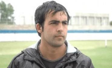 Dos goles de Mayoz le dieron la victoria a El Fortín