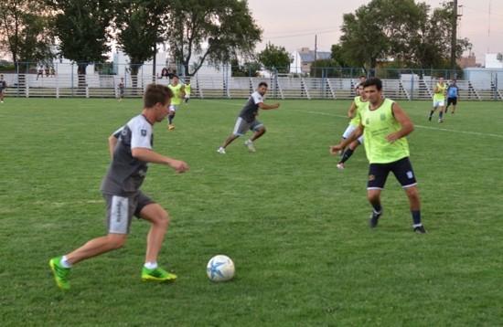 Ferro goleó a Racing de General Lamadrid por 5 a 0