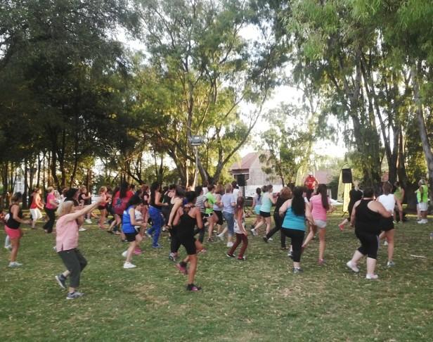 Gimnasia en el Parque Helios Eseverri