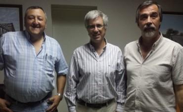 """Armendáriz entregó subsidio a """"La Técnica del Futuro"""""""