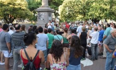 Convocatoria contra el despido de Víctor Hugo