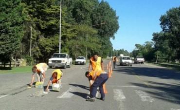 El Municipio realiza tareas de demarcación de sendas peatonales