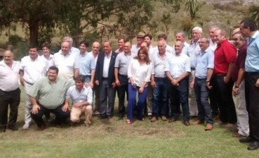 Foro de Intendentes Radicales: crean comisiones para elaborar proyectos