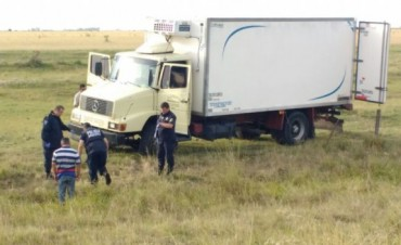 Hallan camionero muerto con un disparo en la espalda