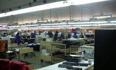 Las Flores: Sin despidos por tres meses en textiles, pero la situación es 'crítica'