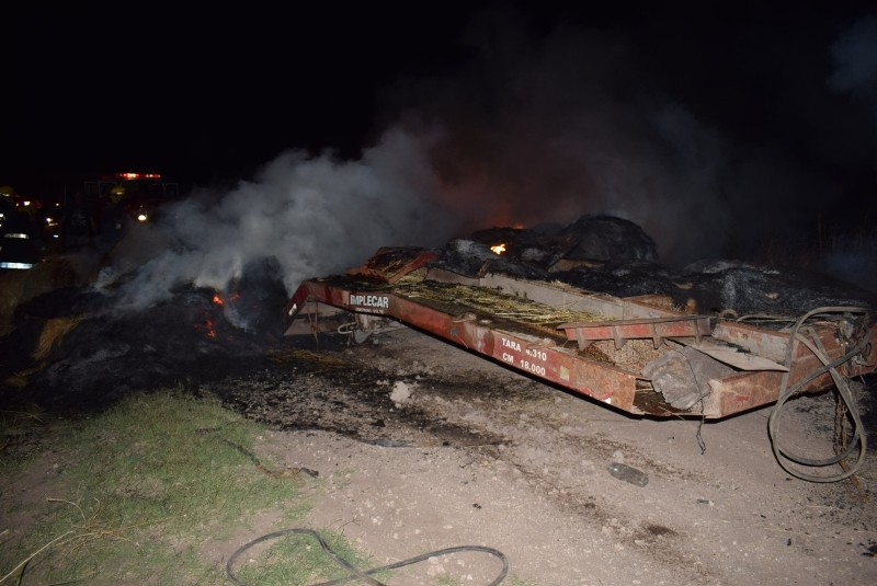 Dramático incendio de camión