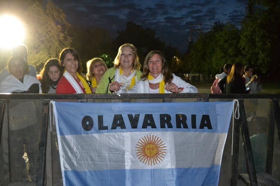 Un grupo de olavarrienses vio al Papa en Santiago