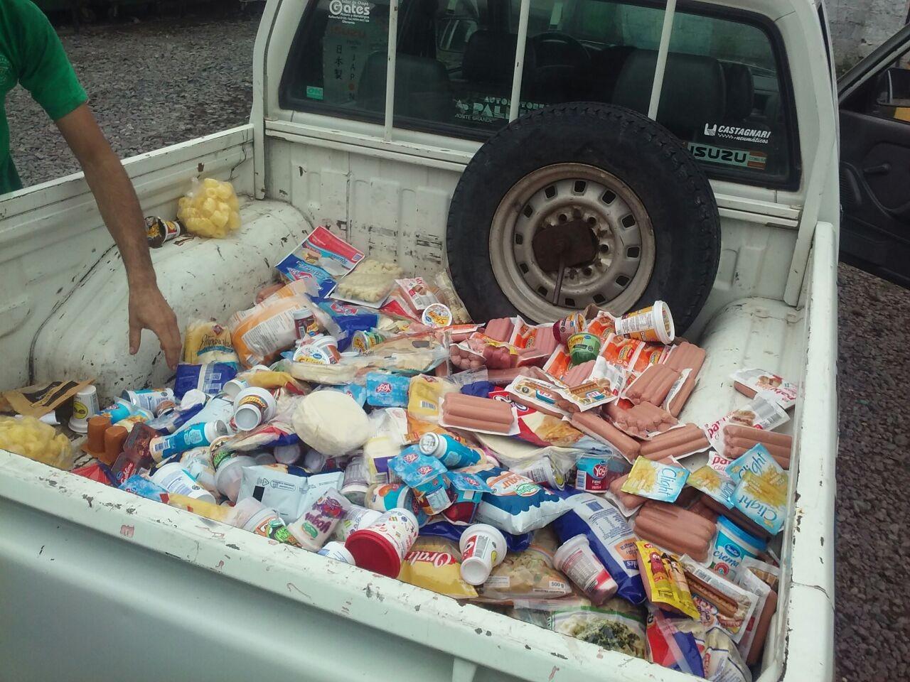 Bromatología comisó unos 300 kg de mercadería en dos supermercados locales