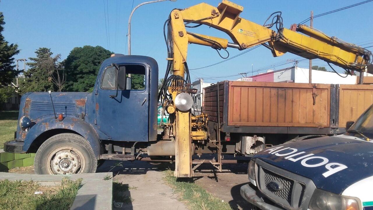 Camión y moto retenidas en Sierra Bayas