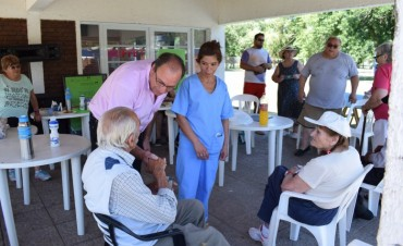 El Intendente Capra visitó las instalaciones de la Pileta Municipal