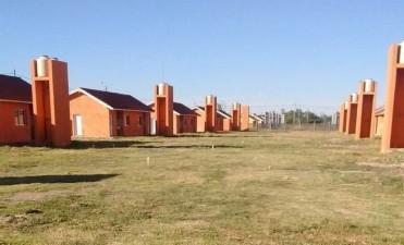 Las familias de tres barrios recibirán sus viviendas