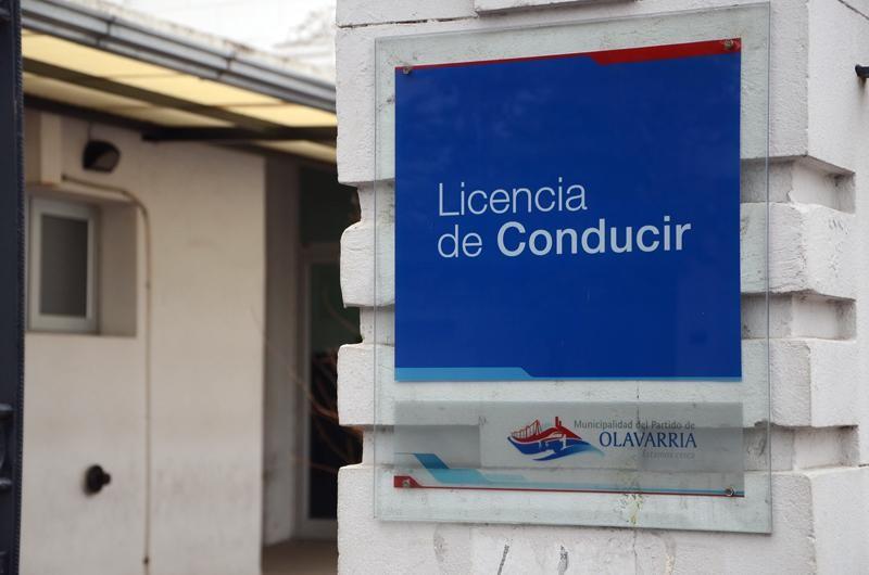 Licencias de conducir: unificaron el sistema y cambia la clasificación de los registros para motos, cuatriciclos, camiones y otros vehículos