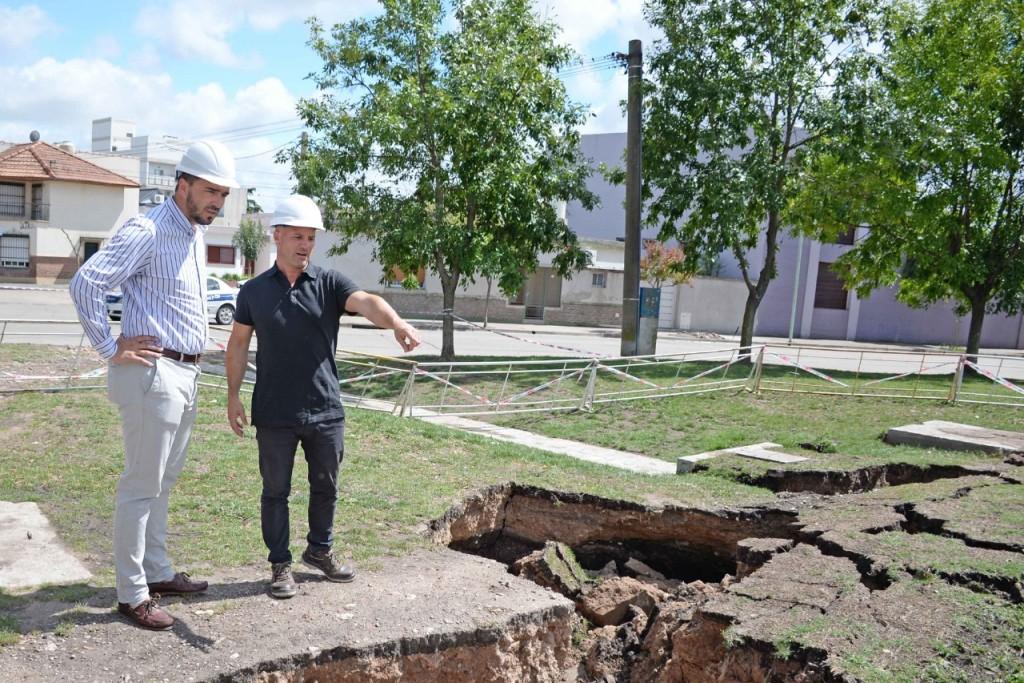 El Municipio supervisa los trabajos en la barranca del arroyo