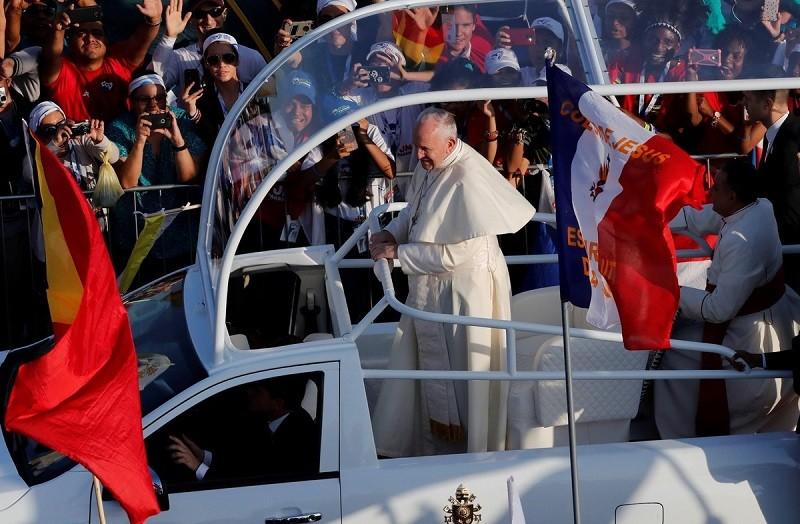 """El Papa pidió una solución """"justa y pacífica"""" a la crisis venezolana"""