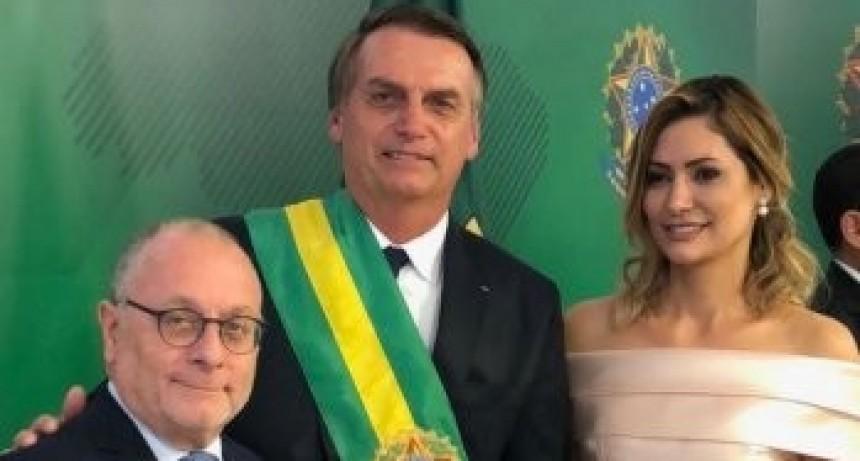 'Macri, al lado de Bolsonaro, es un gran estadista'