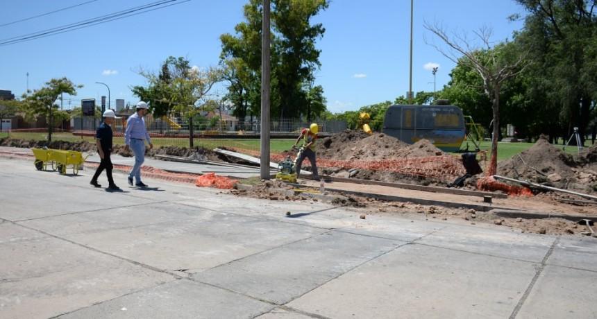 Comenzó la construcción de veredas en el Parque del Bicentenario