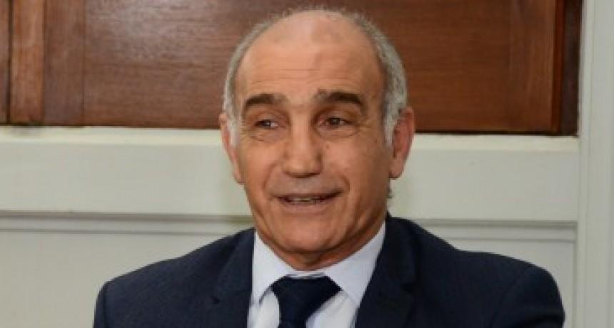 El vicegobernador de la provincia  no descartó desdoblar las elecciones
