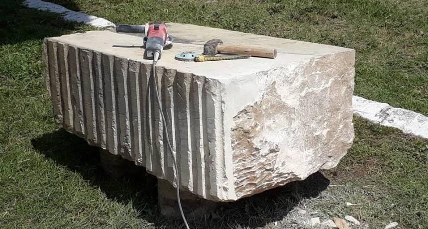 Centenario del primer despacho de cemento: construyen monumento en Sierras Bayas