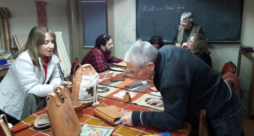 Convocatoria a profesores a integrar las Escuelas Municipales de Artística