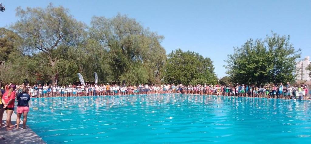 Unos 150 chicos en la primera fecha del Torneo de Natación