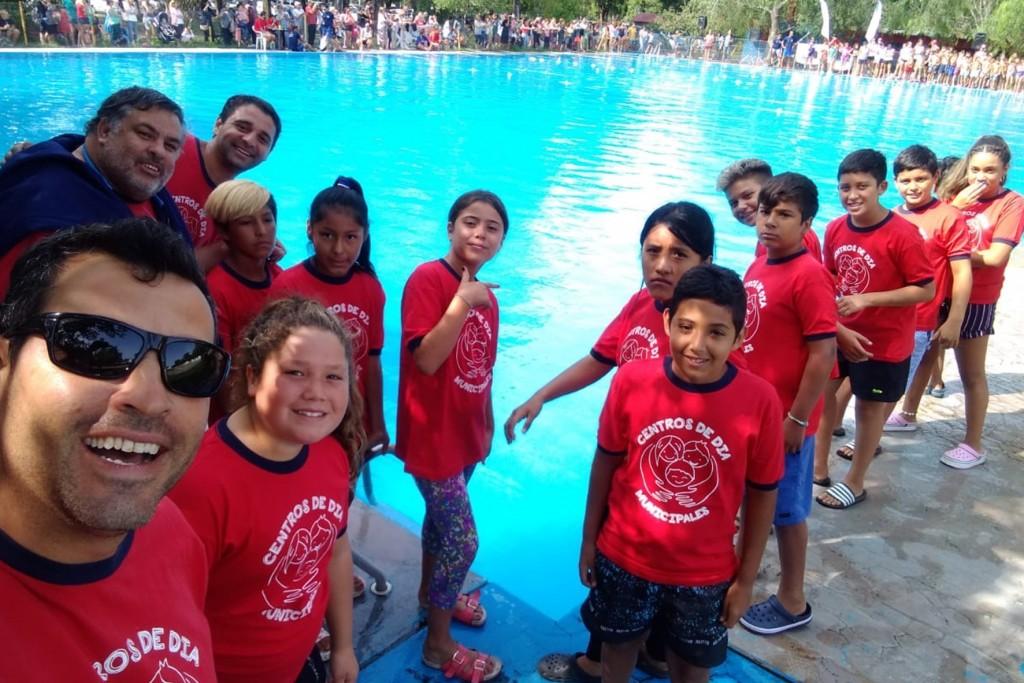 Los Centros de Día disfrutan del verano en el agua