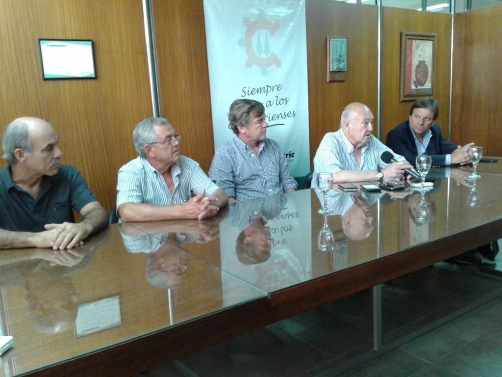 Cooperativas reclaman tarifa y afirman que pararon inversiones y mantenimiento