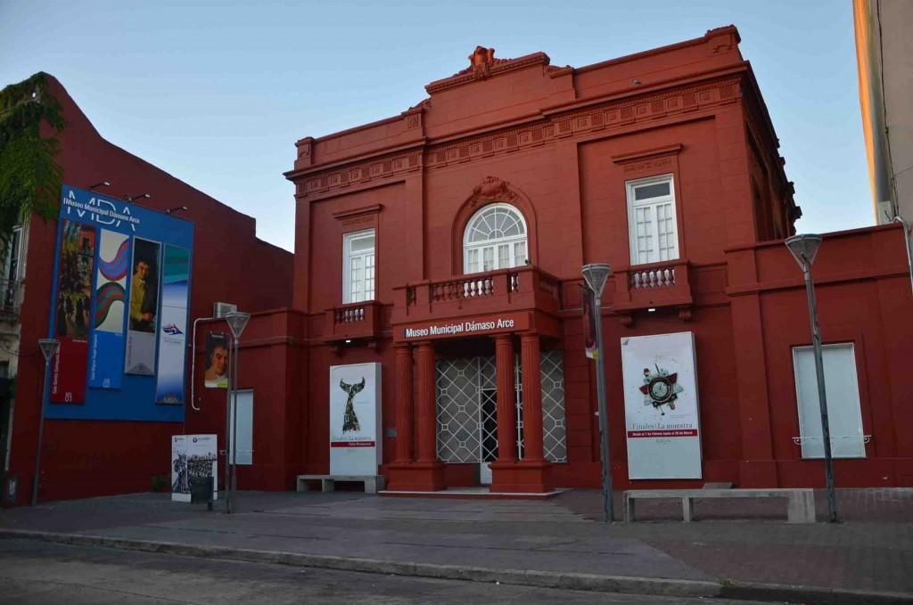Purria Minga: visita guiada por la muestra en el Museo Dámaso Arce