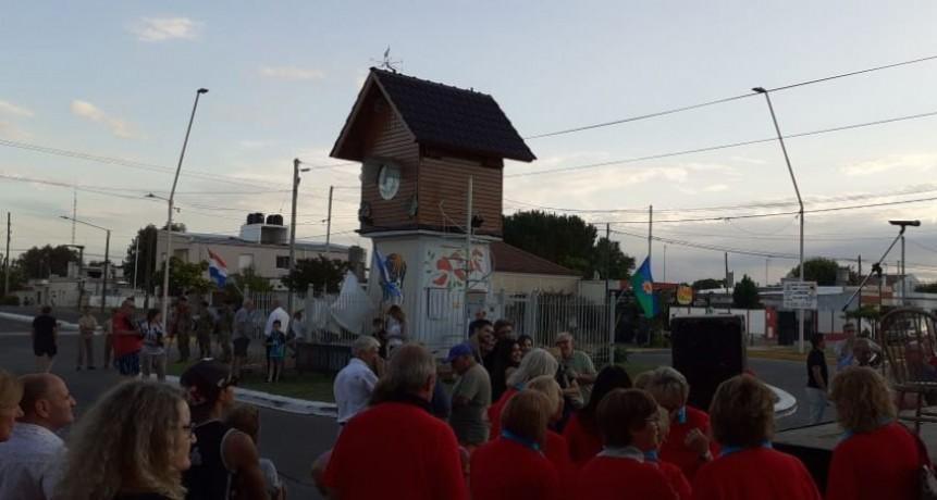 Gran cantidad de público en la inauguración del monumento a Brochero