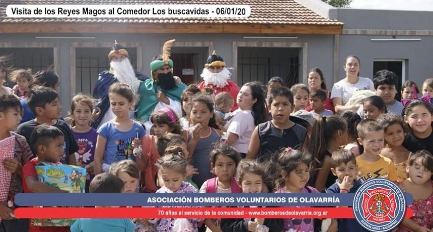 Bomberos escoltó a los Reyes Magos mientras recorrieron Olavarría