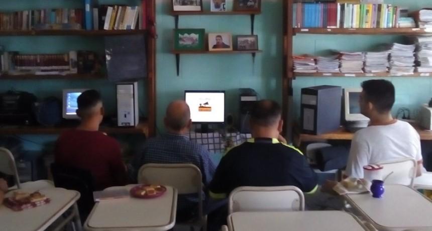 Proyección de cortometrajes en la Unidad N° 38