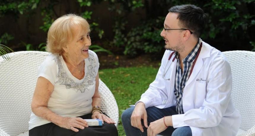 Geriatría: 'la vejez no es sinónimo de enfermedad'