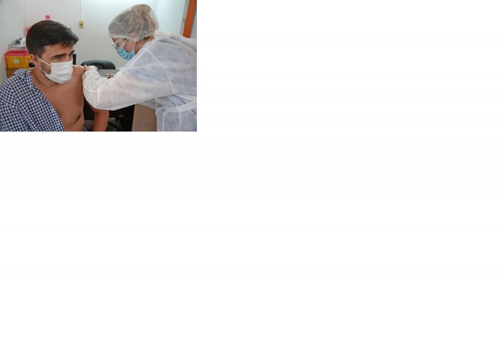 Comenzó la vacunación en el Hospital Municipal Dr. H. Cura