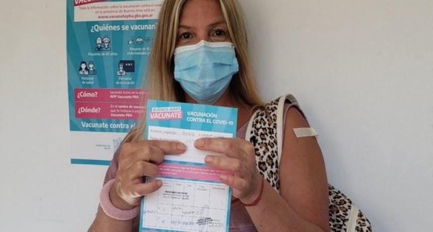 Vacunan a personal de salud con segundas dosis