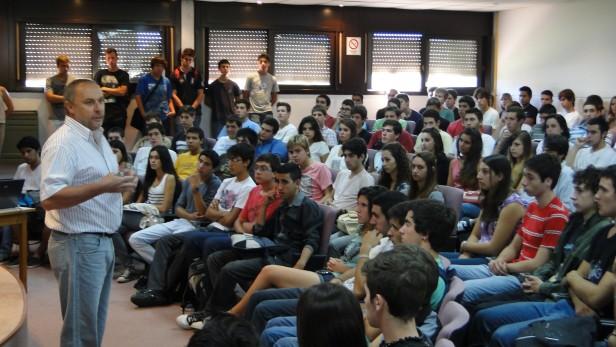 Más de 150 jóvenes de todo el país comenzaron el curso de ingreso en Ingeniería