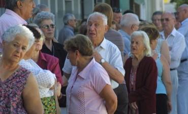 Aumento del 27,35 por ciento para los jubilados desde marzo