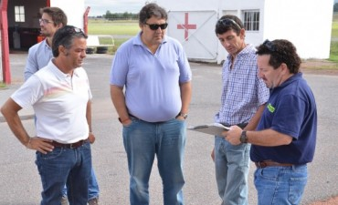 Julio Frías supervisó el avance de los trabajos para la puesta en marcha del Taller Escuela de Manejo en el Autódromo