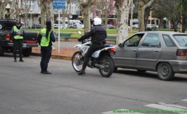 En operativos de tránsito se recuperó una moto robada