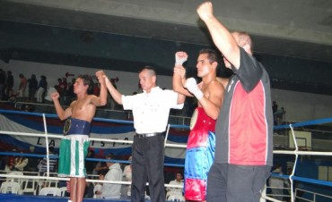 Megafestival de boxeo en Racing
