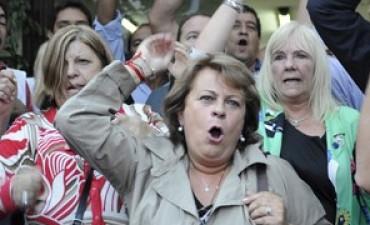 En medio de la tensión, se suspendieron las paritarias bonaerenses