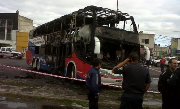 Incendio del colectivo:imágenes de las cámaras ya están en la justicia