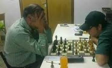 Un titular periodístico repetido: Arambel Campeón en ajedréz