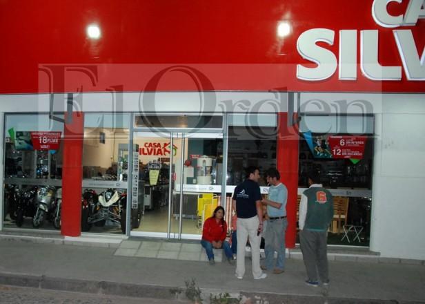 Grupo comando asaltó Casa Silvia en Pringles