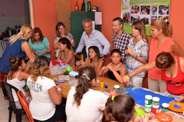 Funcionarios recorrieron la nueva sede del Centro de día para Mujeres Adolescentes