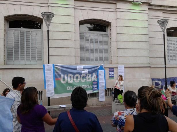 UDOCBA realizó una asamblea en el Paseo Jesús Mendía