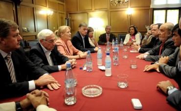 Diputados del FAP se reunieron con la Asociación de Magistrados